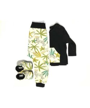 Conjunto pantalón-camiseta-botas