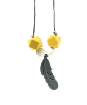 collar lactancia amarillo-blanco picado con pluma